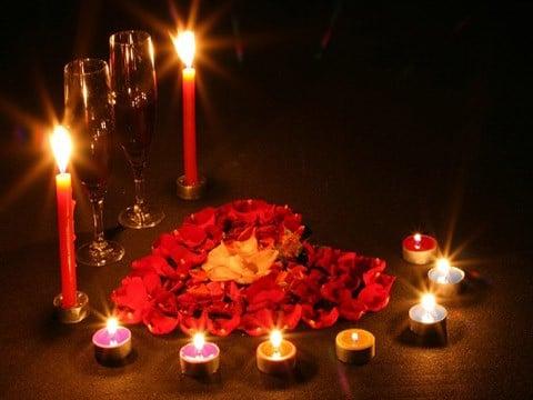 hechizo con vela roja y rosa