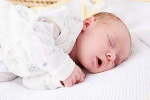 ropa-de-bebe-consejos-y-prendas-necesarias-237751_w1000