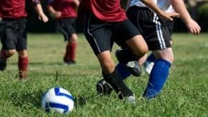 640_kids_playing_soccer