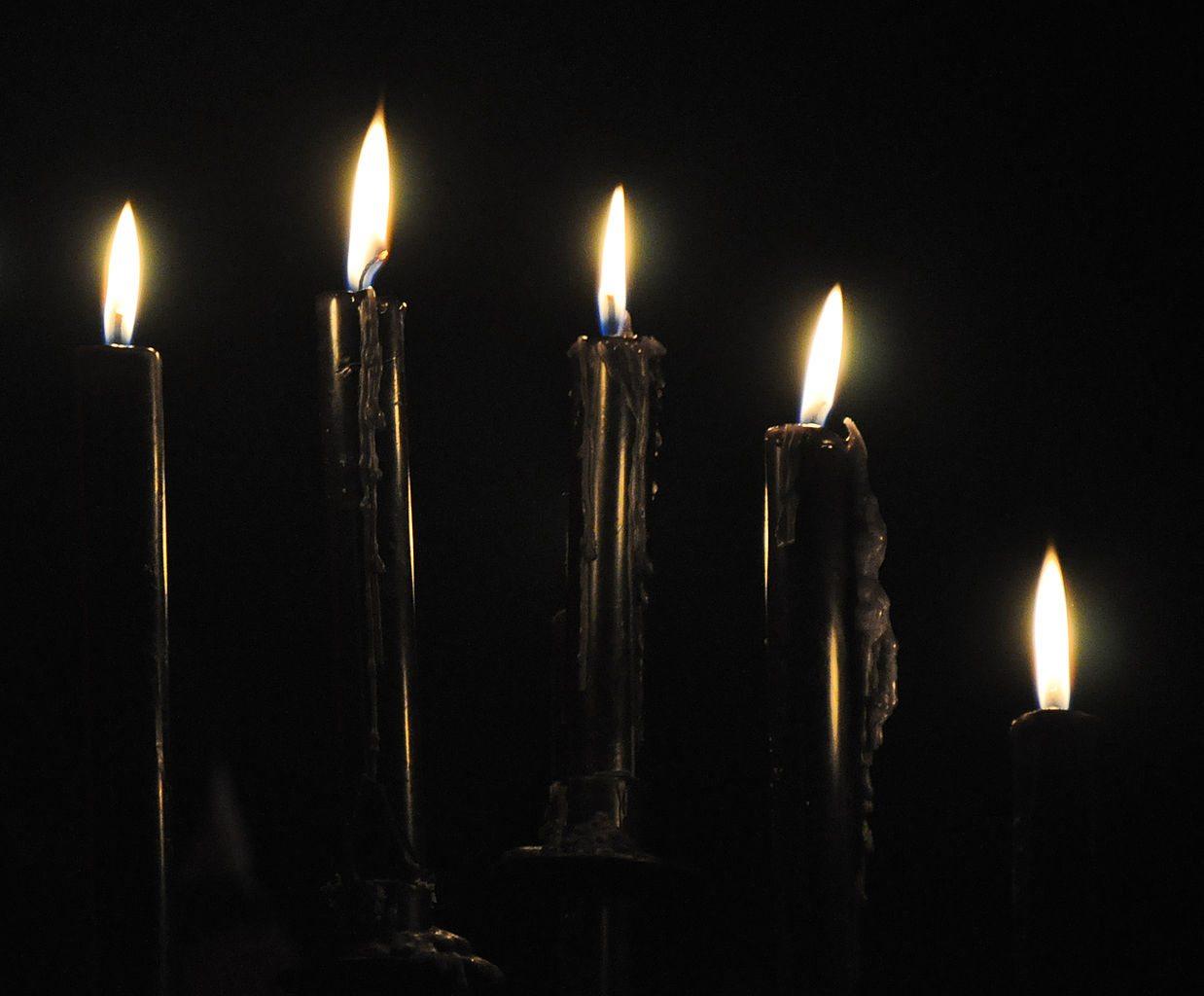 Brujería y amarre con velas negras para enamorar a un hombre